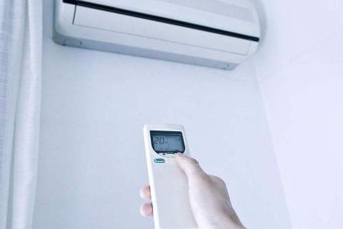 东莞大金空调维修服务电话-风管式空调机清洗:郑州中央空调遇到下面故障怎么维修